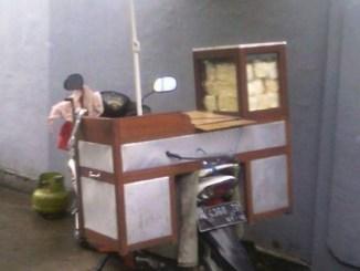 Maling motor gila, gasak motor plus dagangan di Surabaya