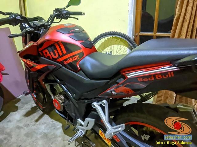 Modif Honda CB150R SF warna merah Red Bull gans... (1)