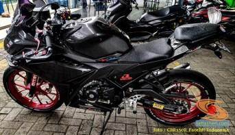 Modif Honda CBR150R lepas spatbor belakang (2)
