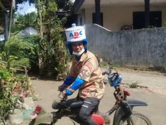 Modif kreatif sepeda motor terbalik alias depan rasa belakang... (1)