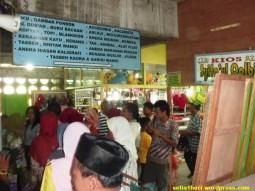 pasar di masjid turen