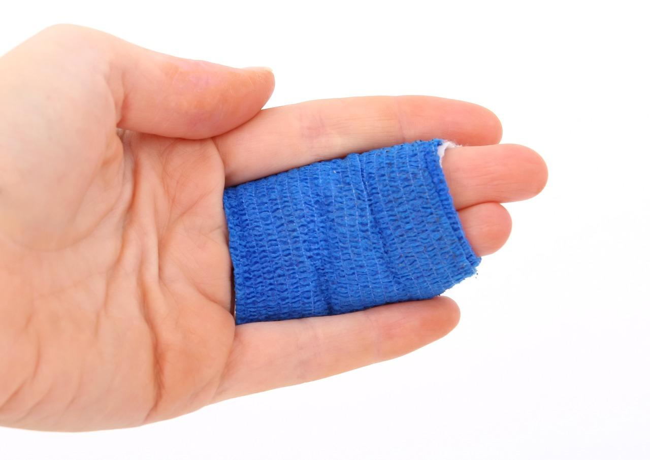 fingers-wrapped-in-gauze