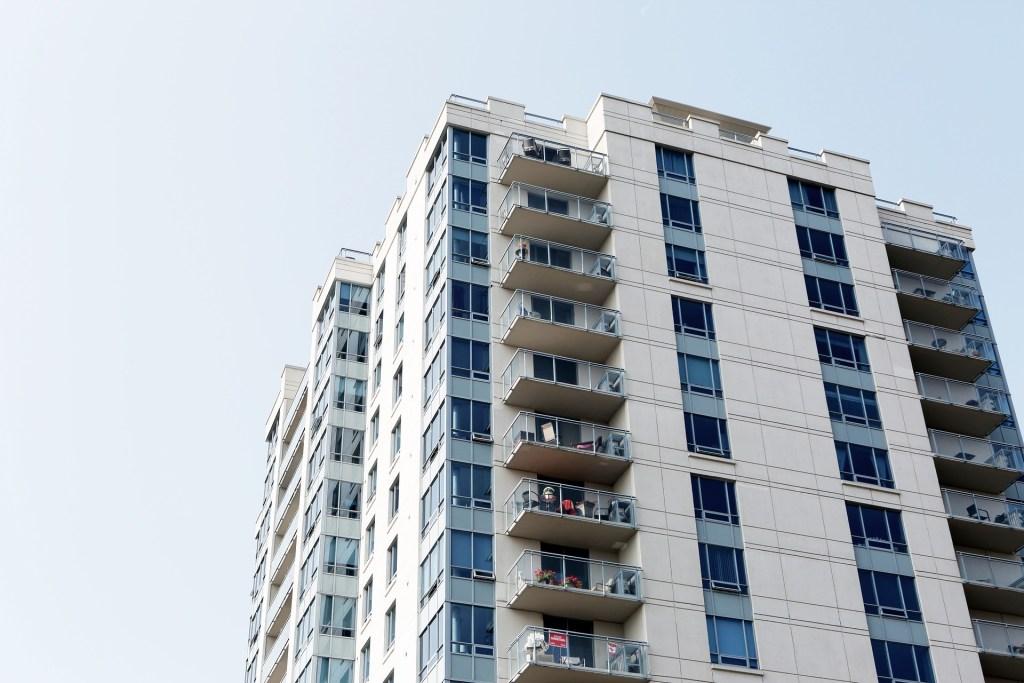 florida-condo-building