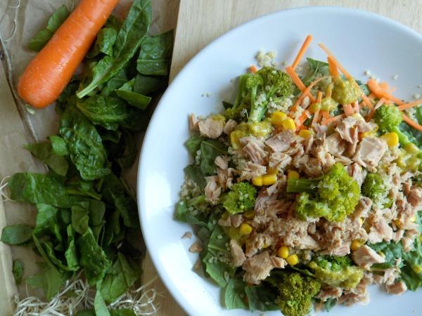 3. Ensalada de espincas y quinoa