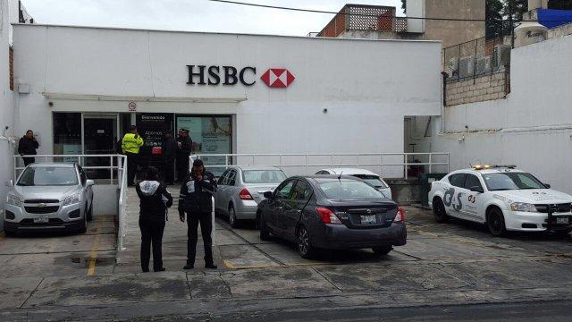 Roban banco a unos metros de casa de gobierno en Toluca, Edomex