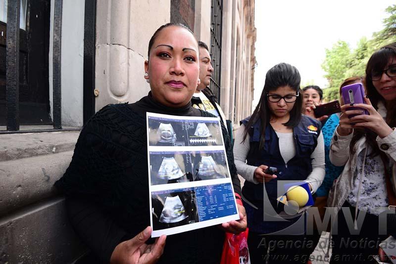 Mueren bebés y madres de manera inexplicable en hospital de Toluca