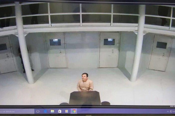 """Muestran foto de """"El Chapo"""" en el penal tras rumores de fuga"""