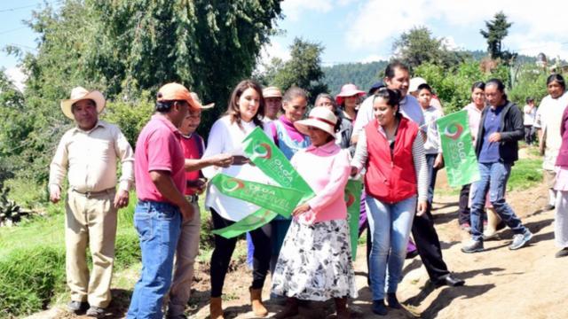 Olga Esquivel consolida gestiones de obra en Zinacantepec