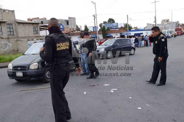 Tres detenidos, dos policias heridos y un intento de linchamiento en Mexicaltzingo