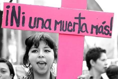 Mujer es violada, asesinanda y abandonada en camioneta en Tultitlán