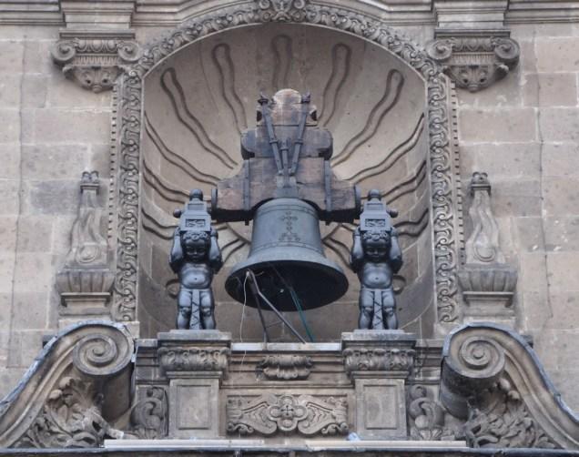 La campana que Miguel Hidalgo hizo sonar la madrugada del 16 de septiembre de 1810