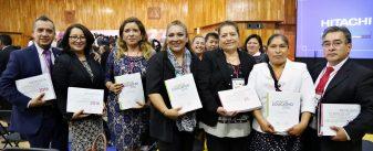 La secretaria de Educación, Ana Lilia Herrera Anzaldo, a nombre del gobernador Eruviel Ávila Villegas, clausuró los Foros Estatales de Consulta del Nuevo Modelo Educativo, después del trabajo realizado en las 20 regiones del Estado de México.