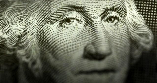 Expertos creen que el dólar podría llegar a 25 pesos