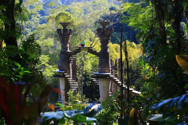 Las Pozas, jardín surrealista construido por el excéntrico artista inglés Sir Edward James. Foto: songoftheroad.com
