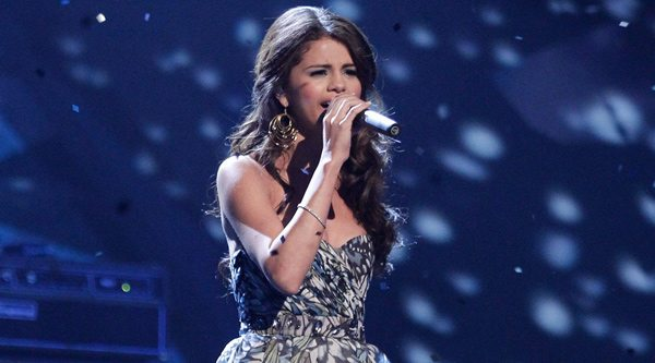 Selena Gomez cancela conciertos en México