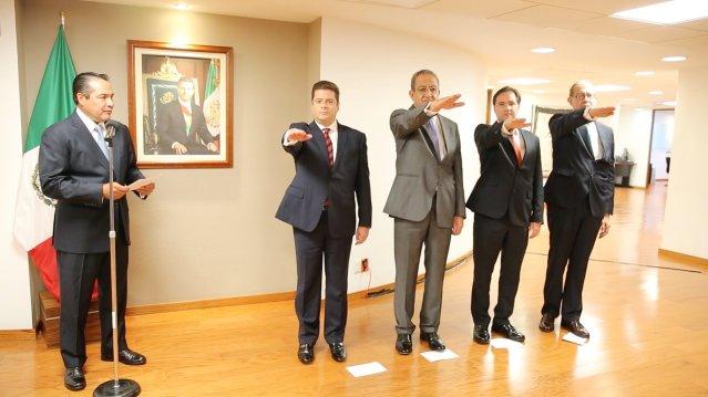 Toman protesta 6 nuevos funcionarios en la Secretaria de Desarrollo Social