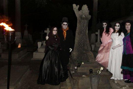"""De """"risa y vergüenza"""" los recorridos nocturnos en el Panteón de la Soledad en Toluca #Opinión"""