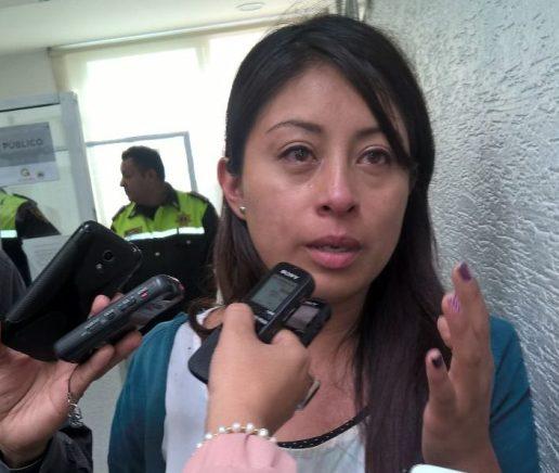 Policías del Estado de México golpean y denigran a reportera