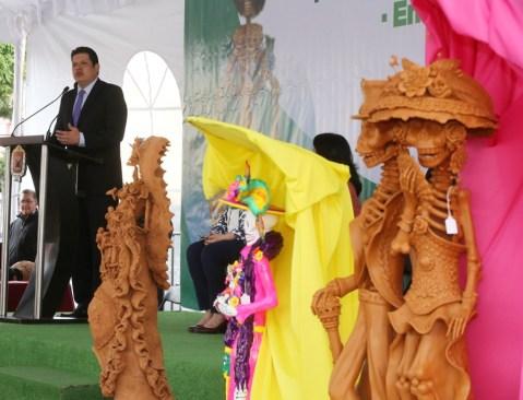 Premian a ganadores del certamen catrinarte y reciben talleres artesanales distintivo moderniza