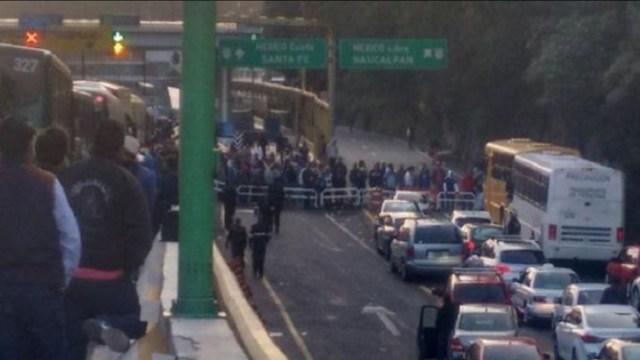 Lanzan piedras contra autobús de la México-Toluca para asaltarlo