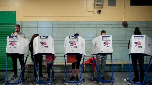 El voto anticipado es récord y podría beneficiar a Hillary Clinton