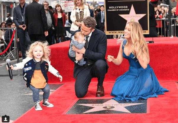 Ryan Reynolds recibió su estrella en el Paseo de la Fama de Hollywood