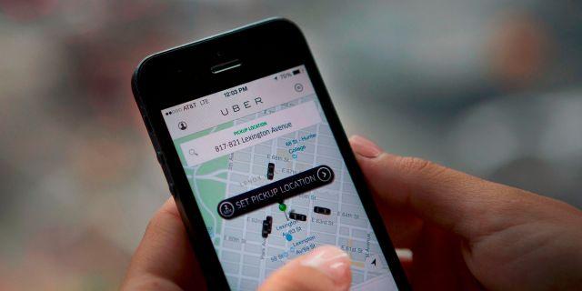 Multaran a Uber por cobrar en efectivo