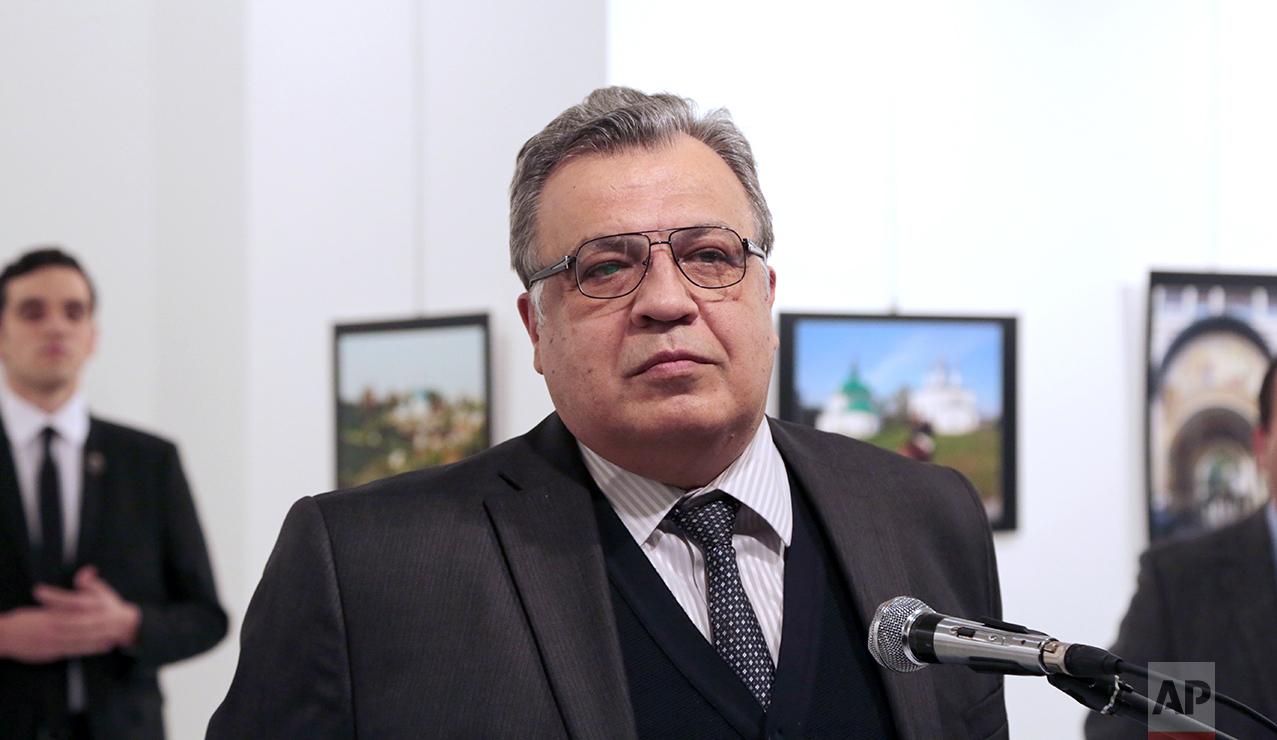 Siete detenidos tras el asesinato del embajador ruso en Ankara