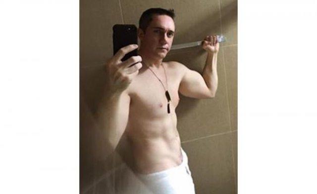 Diputado explica por qué subió foto semidesnudo en Facebook