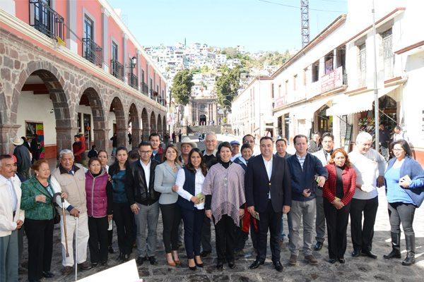 Entregan obra de rehabilitación del mercado Filiberto Gómez en Tenango del Valle