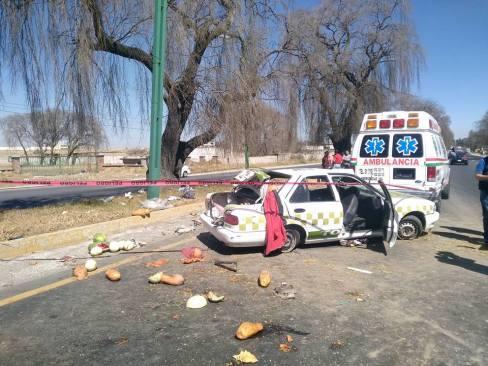 Choca taxi en la Toluca-Tenango, un muerto