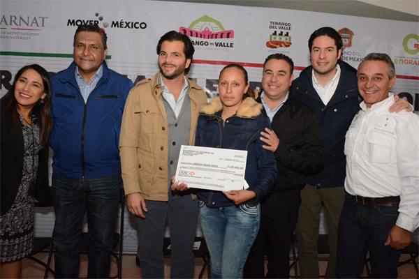 Tenango del Valle recibe cheques federales del programa empleo temporal por casi 800 mil pesos