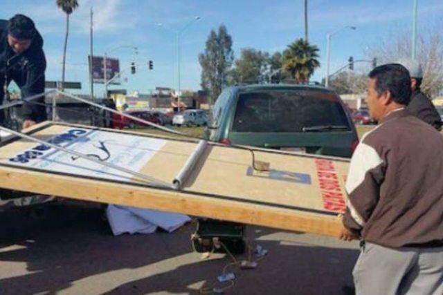 Con trampas para ratas gigantes protestan en Mexicali (Video)