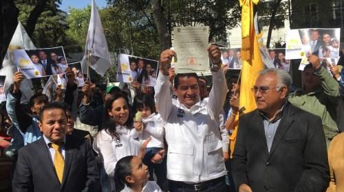 Eduardo Neri se registra como precandidato del PRD a Gobernador del Estado de México