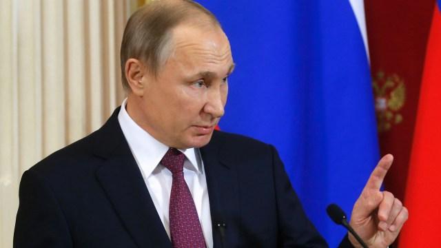 Reduce Putin las penas por violencia doméstica