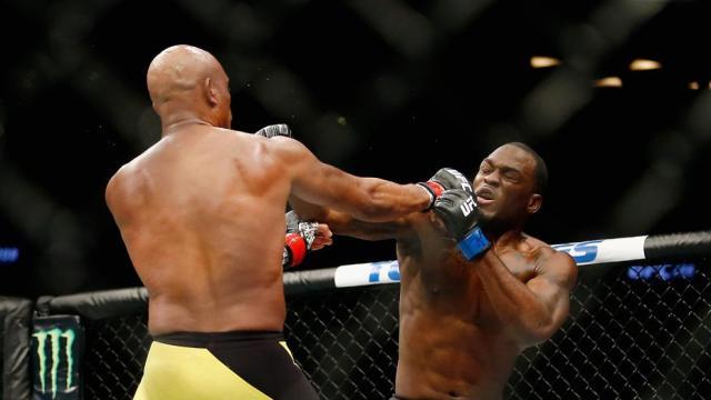 Anderson Silva recupera el trono en la UFC