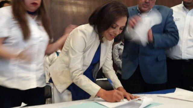 Se registra Josefina Vazquez Mota como precandidata del PAN al Edomex