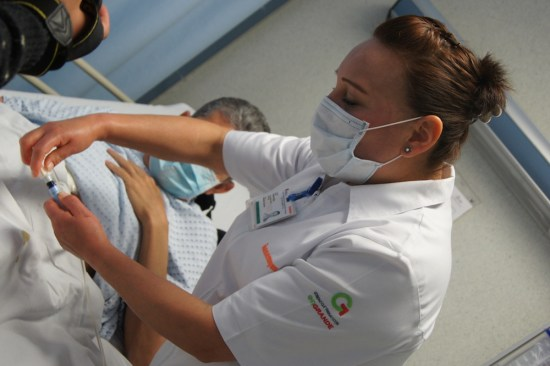 Brinda Issemym nuevo enfoque en cuidado del riñón
