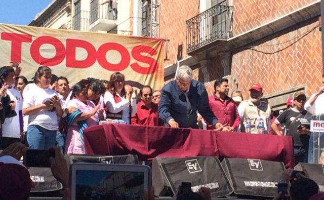 AMLO abre las puertas de Morena a militantes de otros partidos