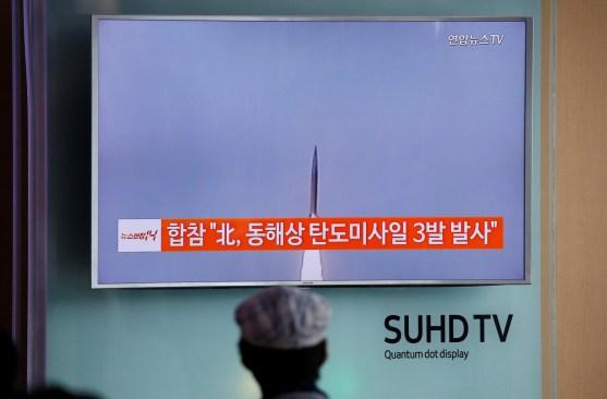 Corea del Norte dispara misil balístico al mar