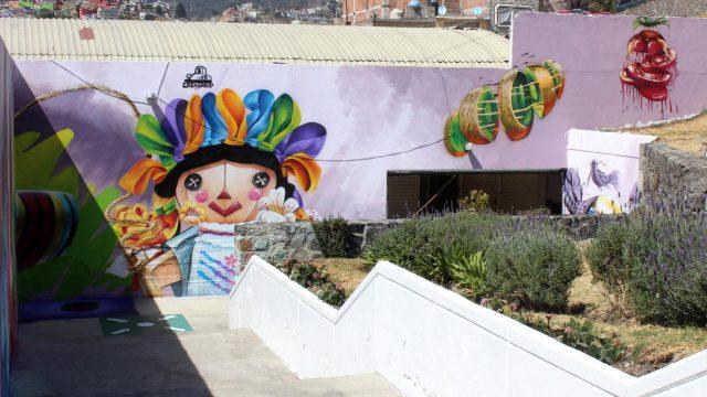 """Plasman jóvenes toluqueños gran talento en el Mural """"Tradiciones Nuestras"""""""
