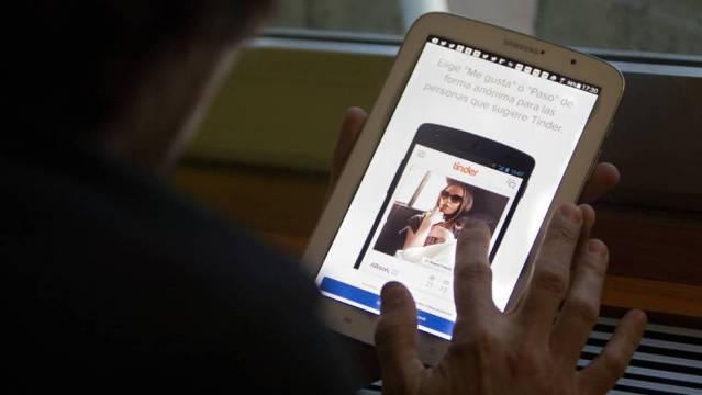 Joven asesina a su novia tras recibir un mensaje en Tinder