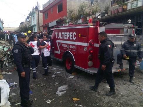Reportan otra explosión en Tultepec; dos muertos