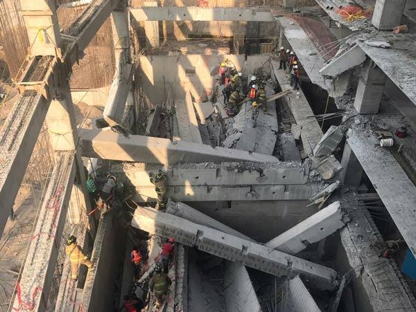 Suman 7 muertos tras derrumbe en Álvaro Obregón