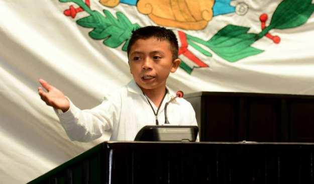 ¿Tienes miedo o ya te llegó al precio? dice niño a diputados de Quintana Roo
