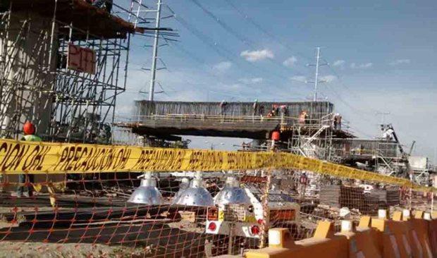 Cierran el cruce de la avenida Solidaridad las Torres y Tecnológico.