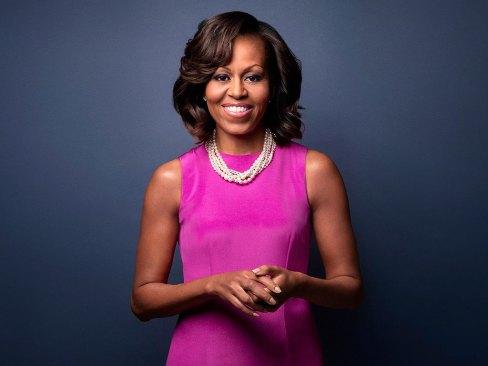 Sorprende Michelle Obama con foto relajada y natural
