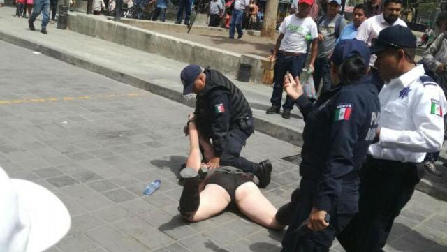 Somete policía de Oaxaca a mujer extranjera