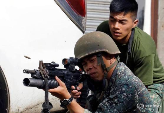 Sexto día de violencia entre el ejército y los islamistas en Filipinas