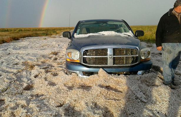 200 vehículos afectados en Chihuahua por fuerte granizada